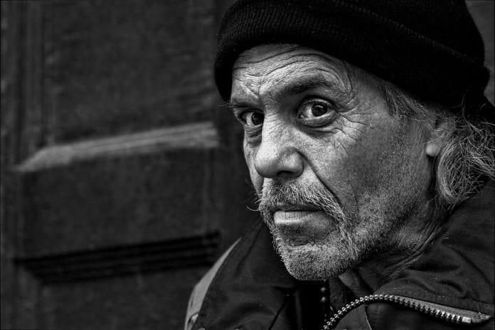 50enni : disoccupazione e assistenza in forte crescita