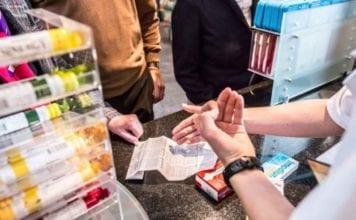 CASSA MALATI : due tasse in farmacia per validare trattamento e medicamento stesso