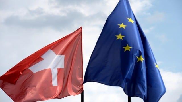 ANNUNCI PER FRONTALIERI - Votiamo per abolire la libera circolazione