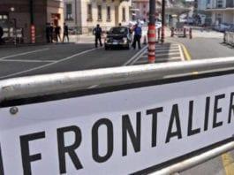 FRONTALIERI - Un annuncio richiede espressamente la residenza a Varese