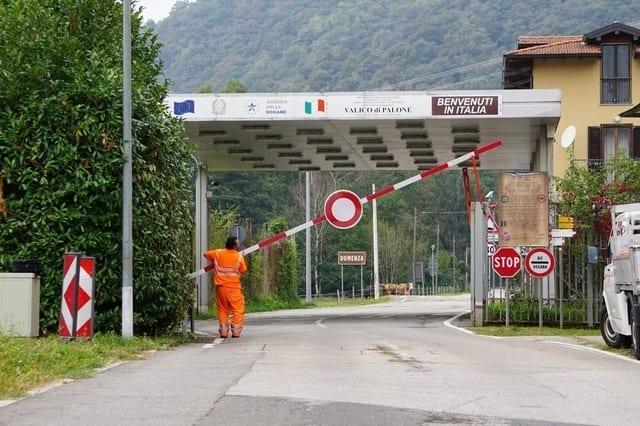 CHIUSURA DEI VALICHI - A Berna hanno capito che il problema esiste