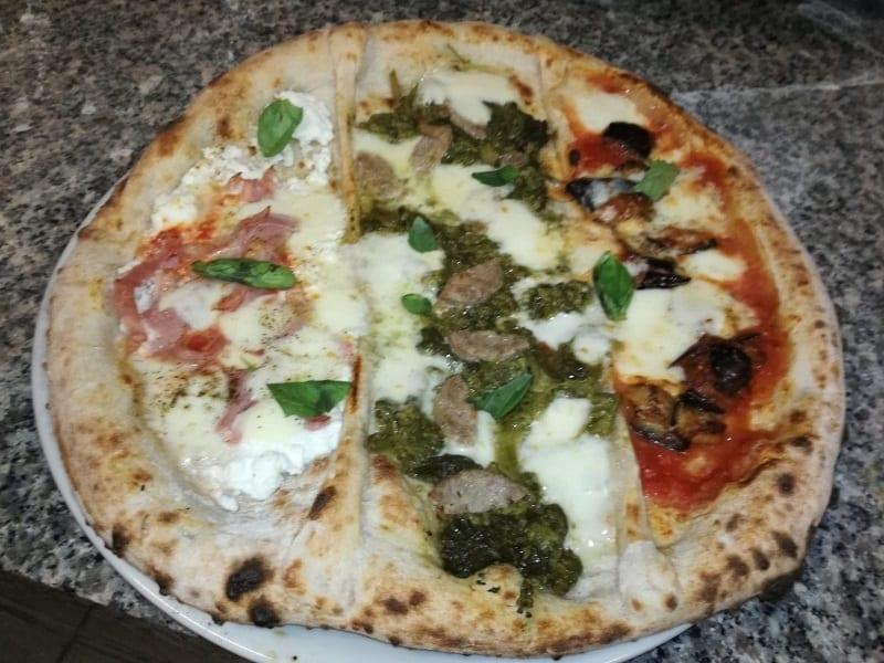 Pizza napoletana e fantasia
