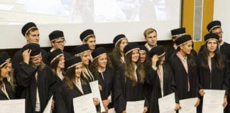 FRONTALIERI : la Svizzera offre 200000 posti, largo ai laureati