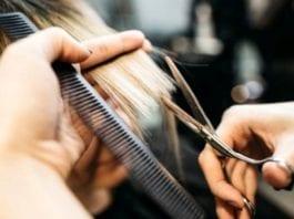 LAVORO - Cercasi parrucchiere in un gruppo di frontalieri, perchè?