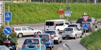 VIABILITÀ - Strade da (non) costruire e i frontalieri uno per auto