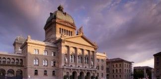 CORONAVIRUS: Nuove regole introdotte dal Consiglio Federale
