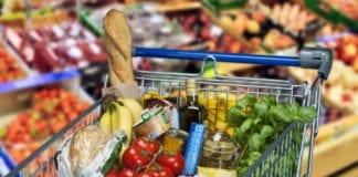 SPESA: multa di 100 franchi per chi si reca oltre confine a fare acquisti
