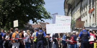 GOVERNO: proteste in tutta la Svizzera per le misure di contenimento