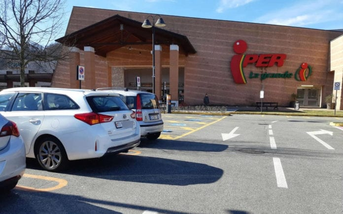 TURISMO DEGLI ACQUISTI: i supermercati ticinesi tentano di tenersi stretta la clientela?
