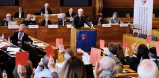 """INIZIATIVA PER LA LIMITAZIONE: il Consiglio degli Svizzeri all'estero dice """"NO"""""""