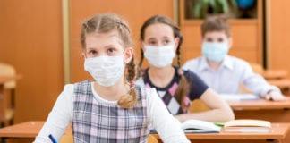 SCUOLA: i docenti auspicano di estendere l'utilizzo della mascherina agli studenti