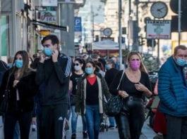"""MASCHERINE: """"l'uso costante delle mascherine può fermare la pandemia."""""""