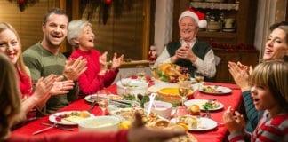 """OMS: situazione ancora critica, """"No a pranzi e cene di Natale in famiglia."""""""