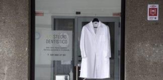 """CAMICI BIANCHI: """"azione simbolica e ultimo messaggio di sensibilizzazione."""""""