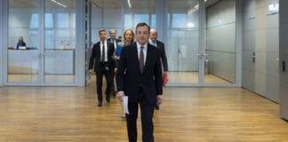 """ITALIA: """"O nuovo Governo o si va al voto"""". Mattarella convoca Draghi."""