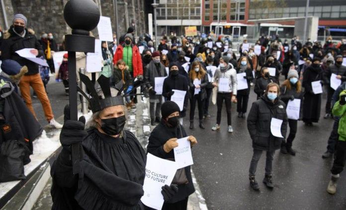MISURE ANTI-COVID: oltre 700 persone in corteo a chiedere la riapertura il 1 di marzo