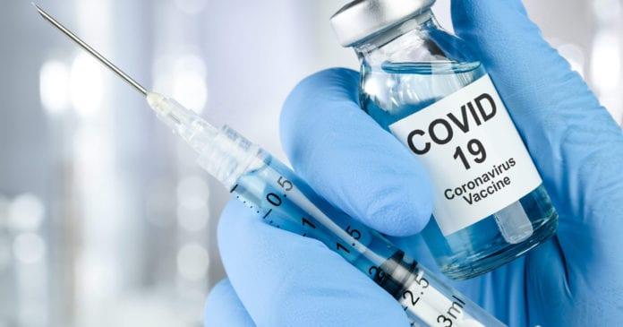 VACCINO: nuova tappa nella campagna vaccinale, è il momento degli Over 65.