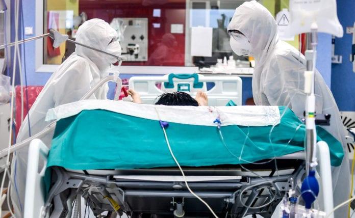 COVID: Brasile, mancano i sedativi, paziente intubati svegli e legati al letto.