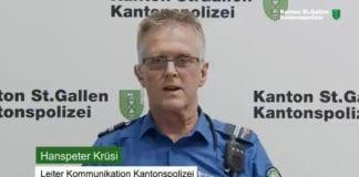 """NO-MASK: manifestazione a Rapperswil, la Polizia non interviene e """"sorveglia""""."""