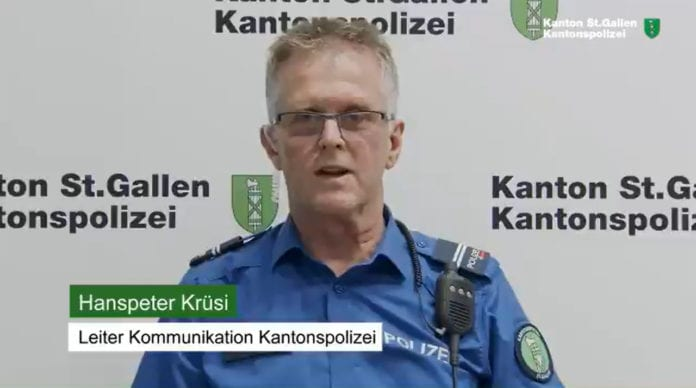 NO-MASK: manifestazione a Rapperswil, la Polizia non interviene e