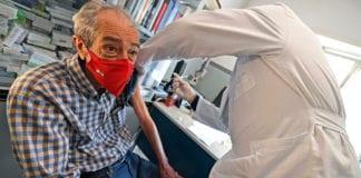 VACCINO: soluzione salina al posto del vaccino, medico indagato.