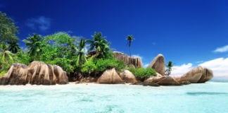 VACCINATI: il Consiglio federale ritiene non trasmettano il virus, le Seychelles insegnano.